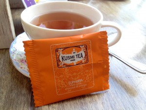 A very subtle Orange and Chocolate tasting tea.